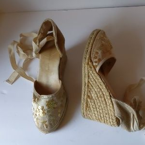 Montego Bay Club beige fabric wedges-sz 6 1/2